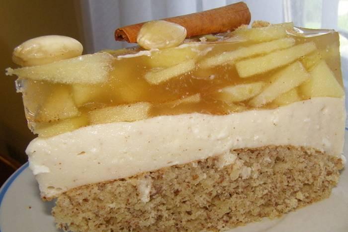 JESENSKA TORTA: Miriše na jabuke, cimet i bademe, s kremom od sira…