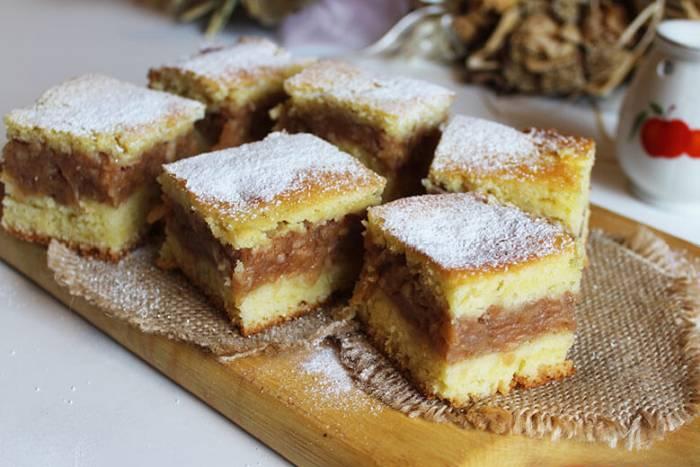 Jednostavan kolač s jabukama