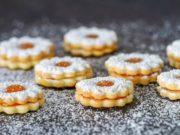 CVJETIĆI S MARMELADOM: Neizostavni dio božićnog pladnja s kolačima