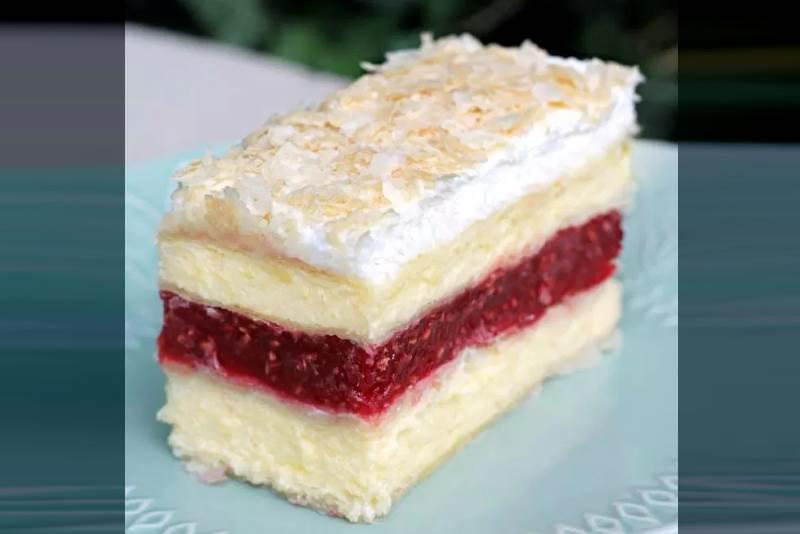 LISNATE VANILIJA KOCKE S MALINAMA: Prekrasan kolač čarobnog okusa